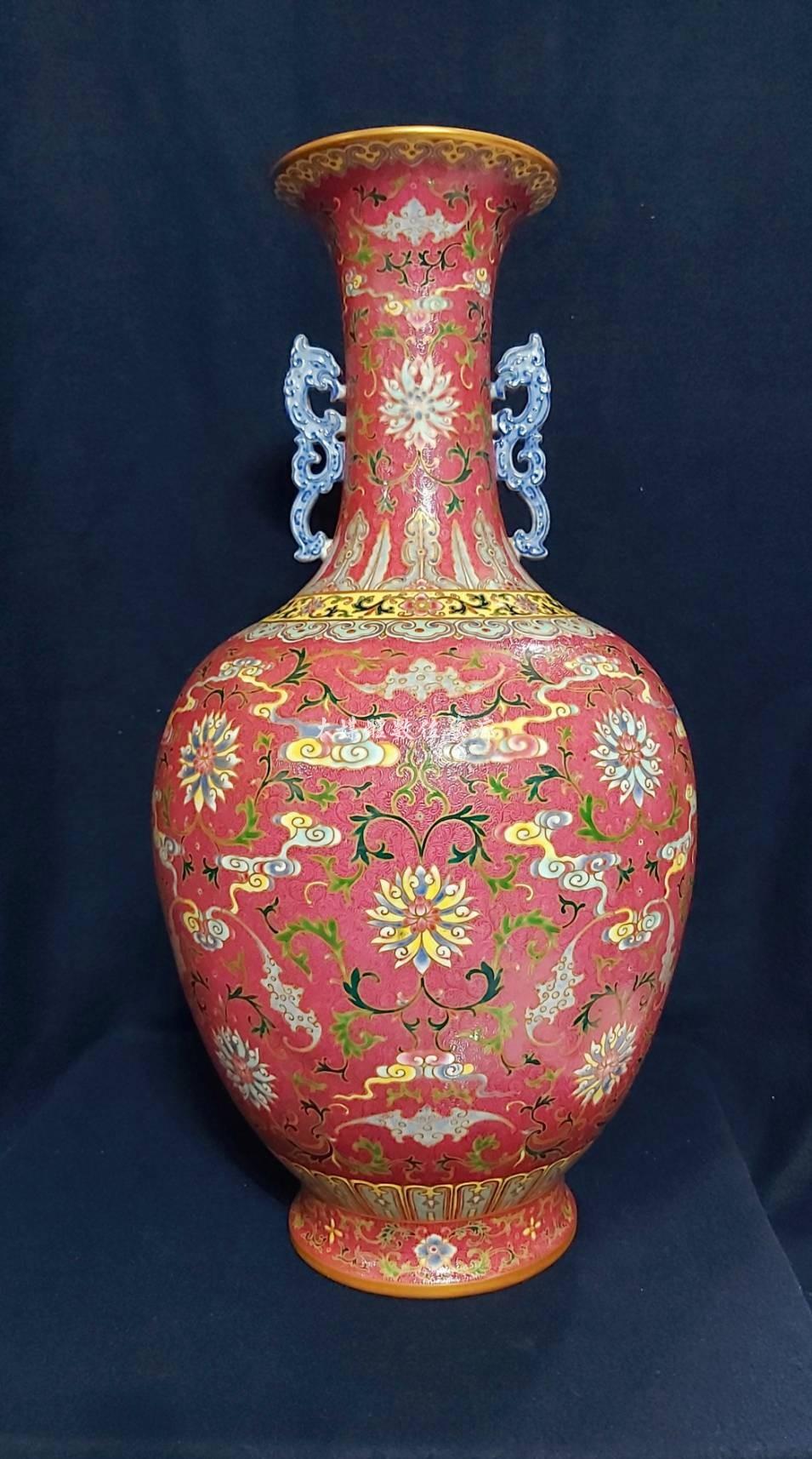 清乾隆古物 乾隆粉彩胭脂紅軋道福壽萬年紋螭耳瓶